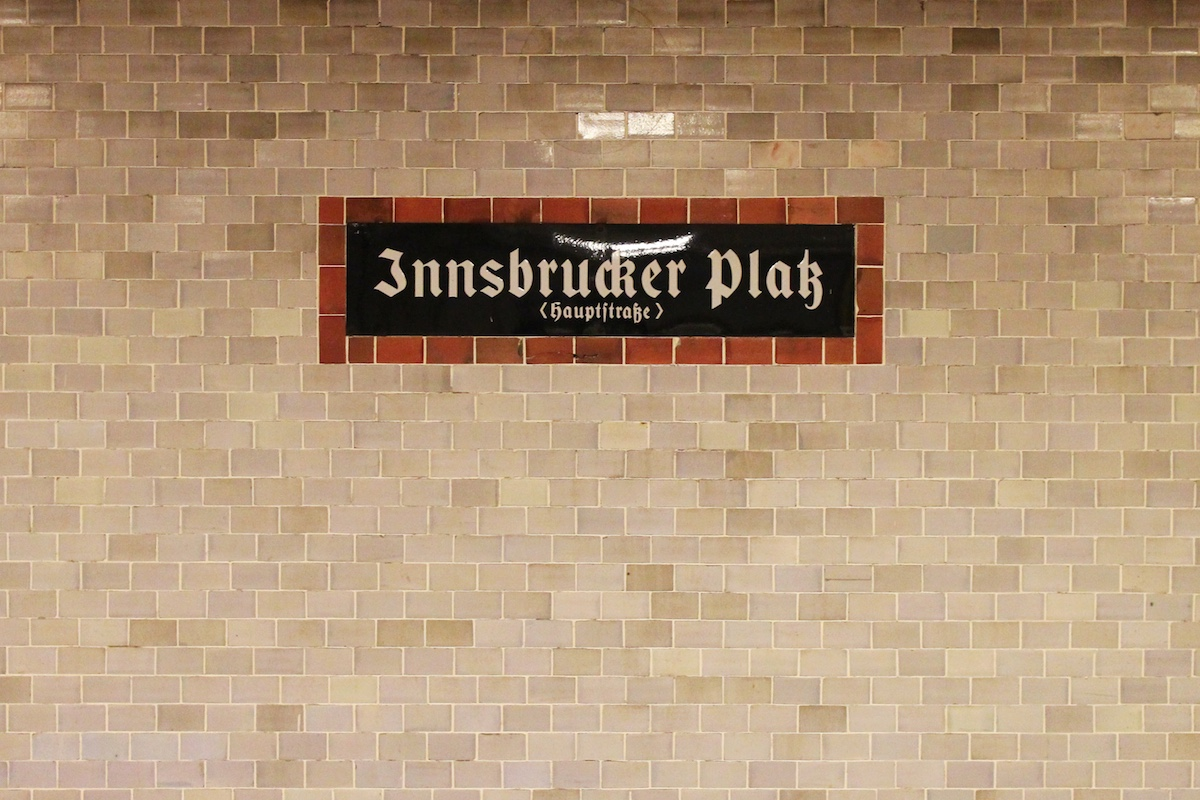 InnsbruckerPlatz_Sign