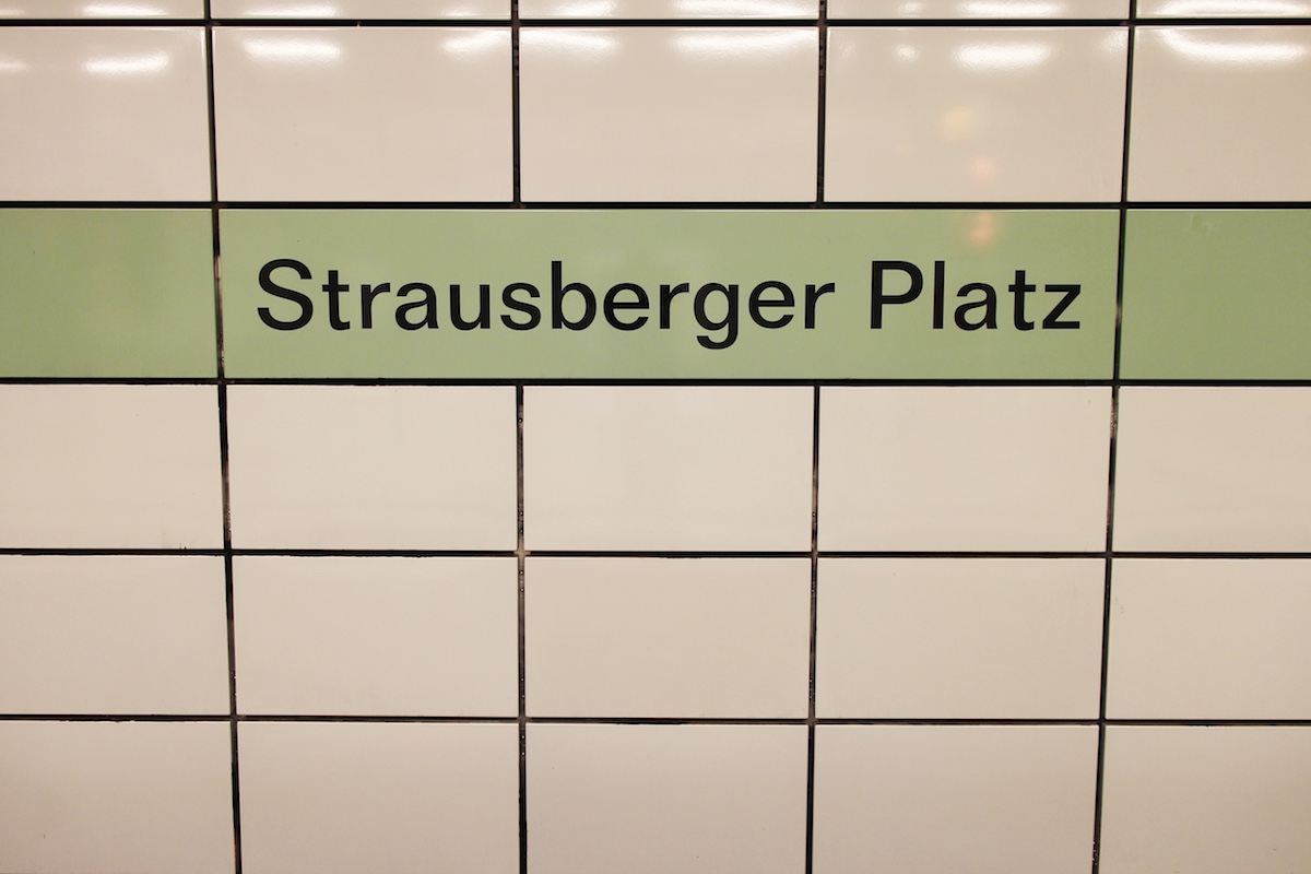 Strausbergerplatz_sign